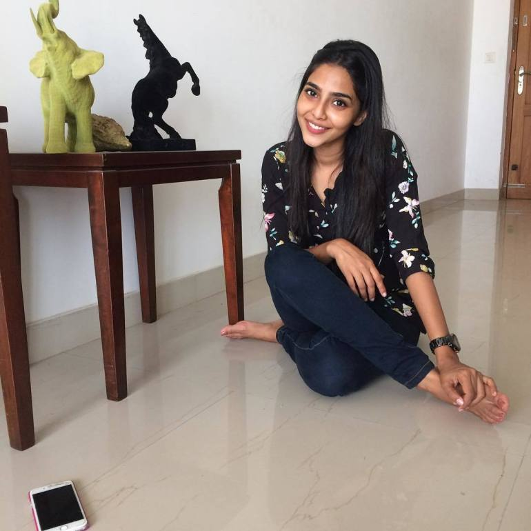 60+ glamorous Photos of Aishwarya Lekshmi 88