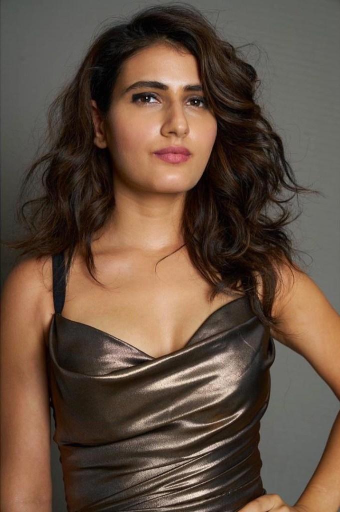74+ Gorgeous Photos of Fathima Sana Shaikh 4