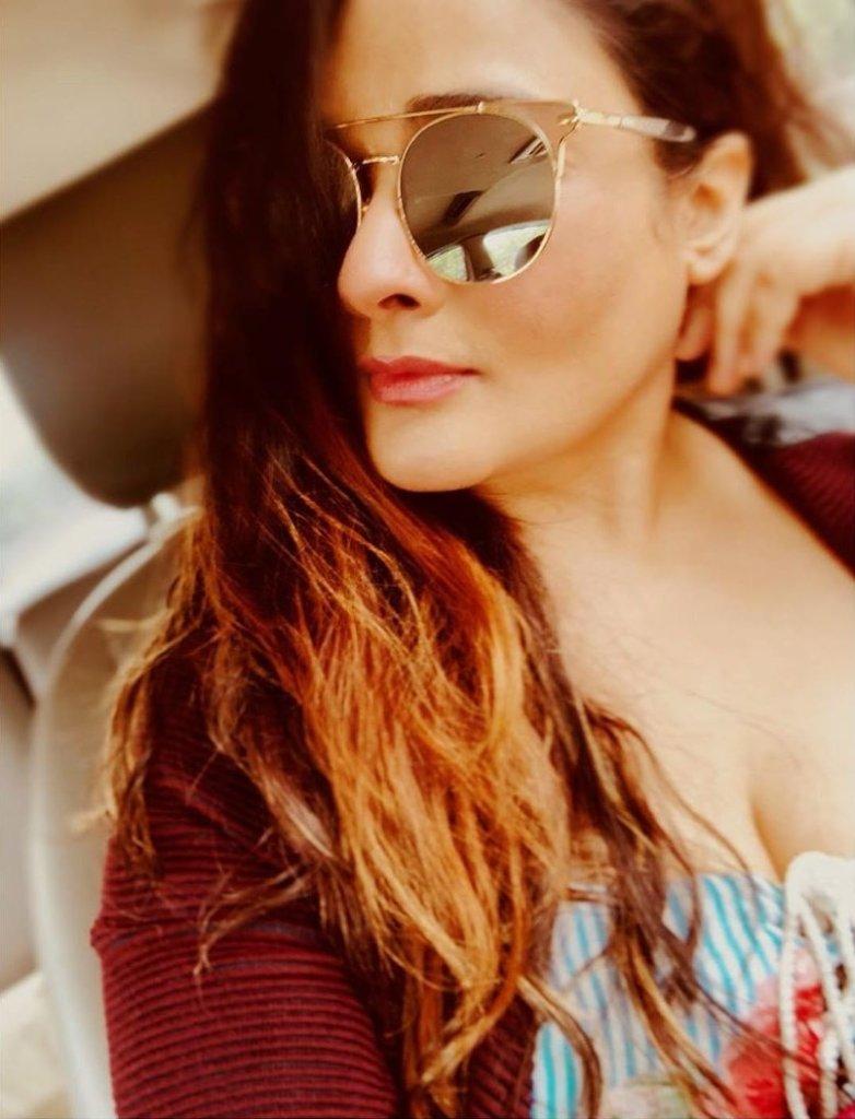 24+ Glamorous Photos of Kiran Rathod 2