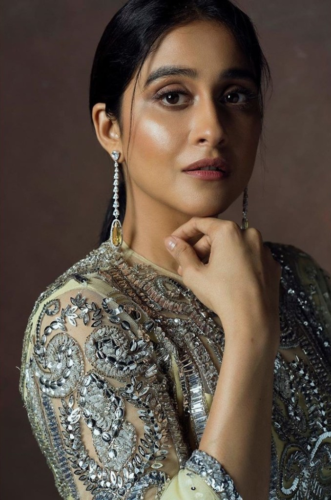 68+ Stunning Photos of Regina Cassandra 4