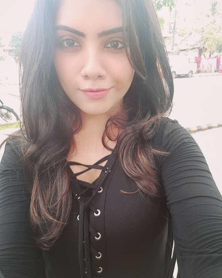 Vidhya Vijayakumar Stunning Photos, Biography, Wiki, Husband, Family, Instagram 3