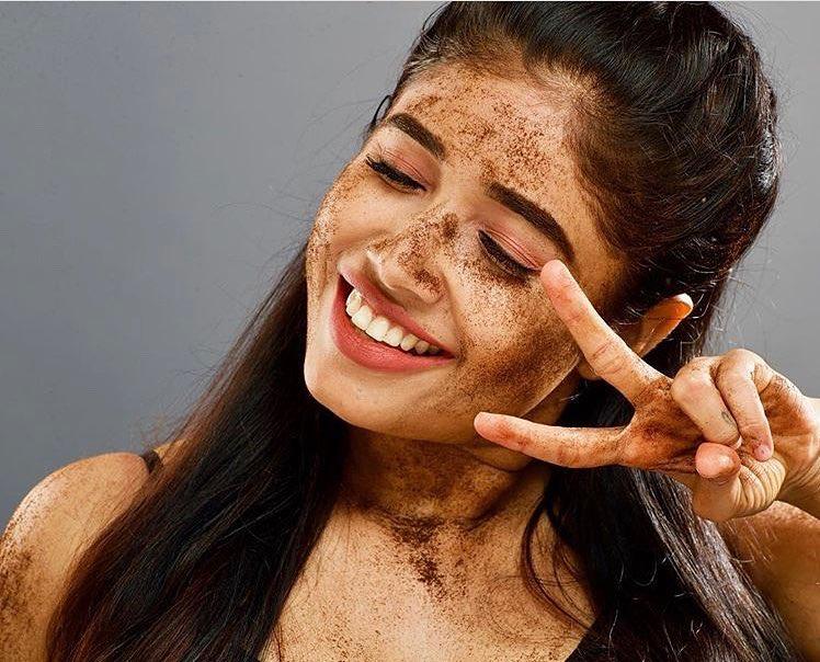 Alexandra Johnson (Big boss Malayalam) Wiki, Age, Biography, Movies, web series, and Gorgeous Photos 54