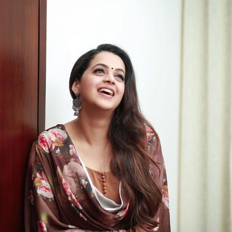 33+ Beautiful Photos of Bhavana 90
