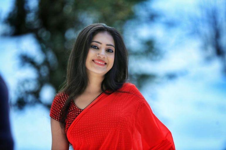 20+ Beautiful Photos of Gopika Anil 89
