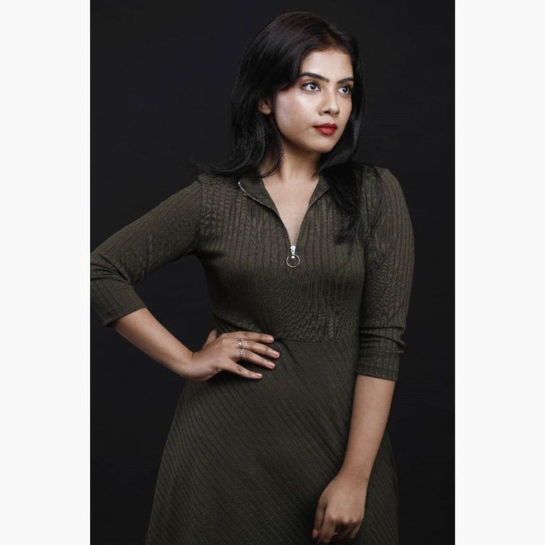 Vidhya Vijayakumar Stunning Photos, Biography, Wiki, Husband, Family, Instagram 20
