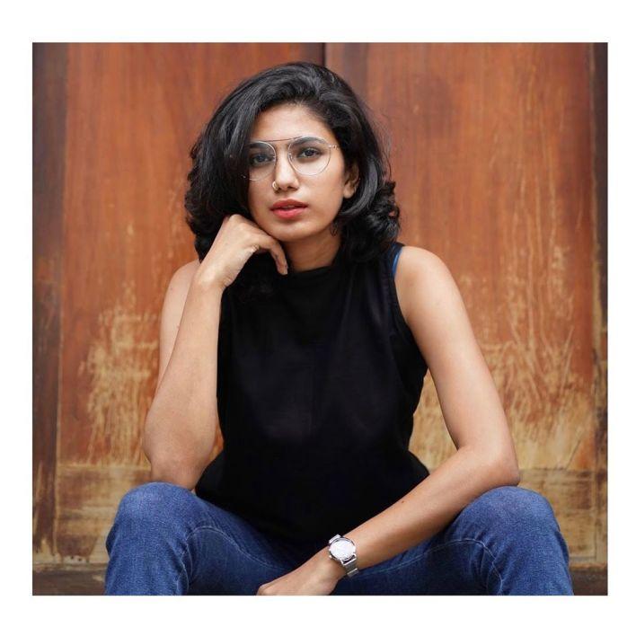 Deepa Thomas Gorgeous Photos, Biography, Wiki, Husband, Family, Instagram 13