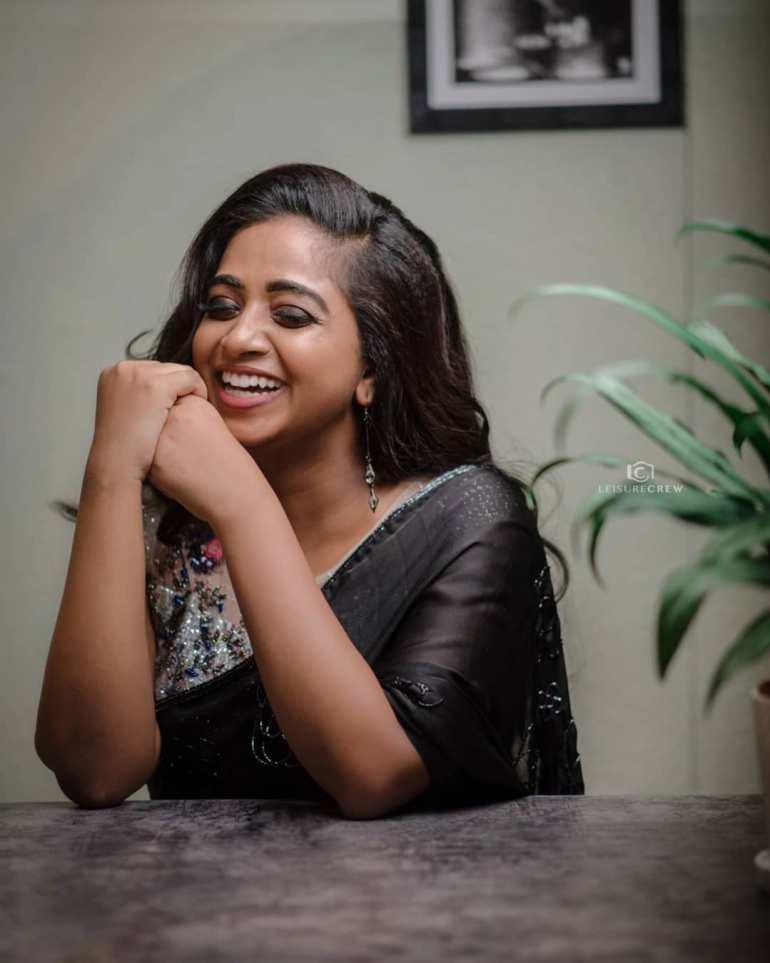 Sneha Babu Wiki, Biography, Age, Boyfriend, Movies, webseries and Beautiful Photos 24