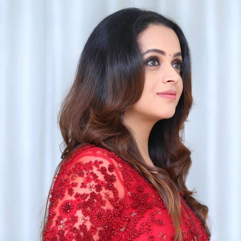 33+ Beautiful Photos of Bhavana 100
