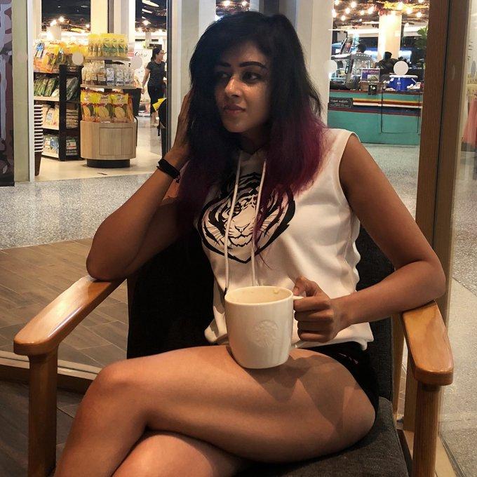 38+ Glamorous Photos of Sapna Vyas Patel 89