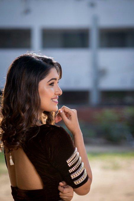 42 HD Beautiful Photos of Vani Bhojan 103