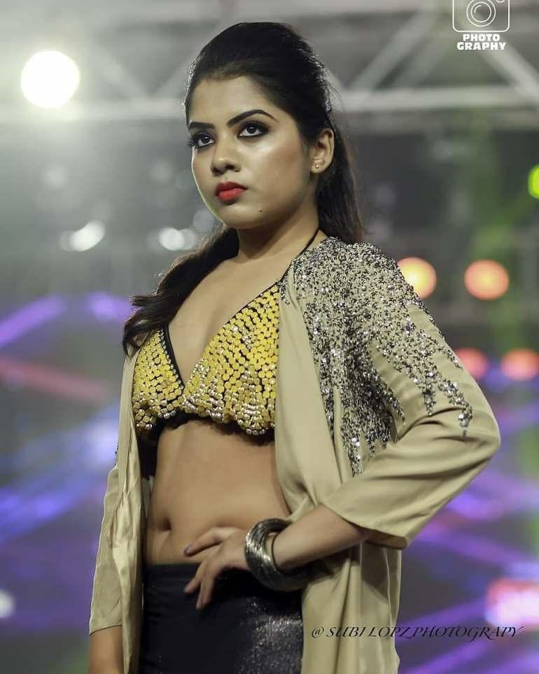 Vidhya Vijayakumar Stunning Photos, Biography, Wiki, Husband, Family, Instagram 8