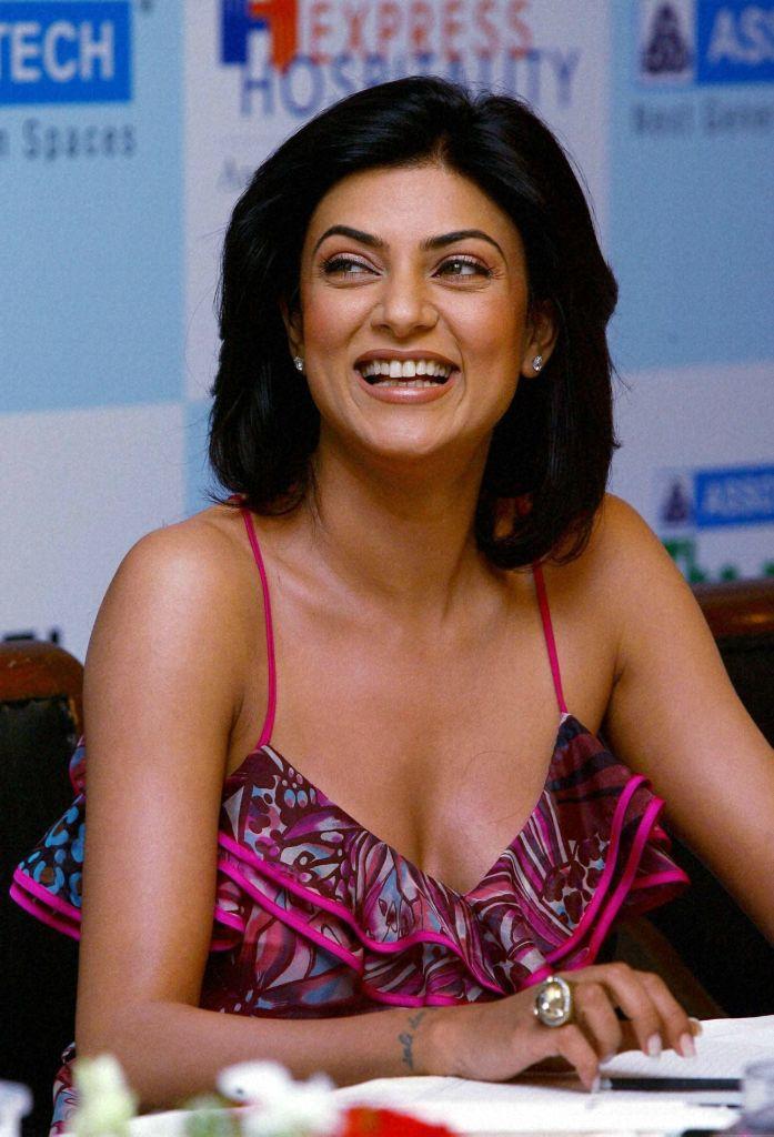 24+ Stunning Photos of Sushmita Sen 7