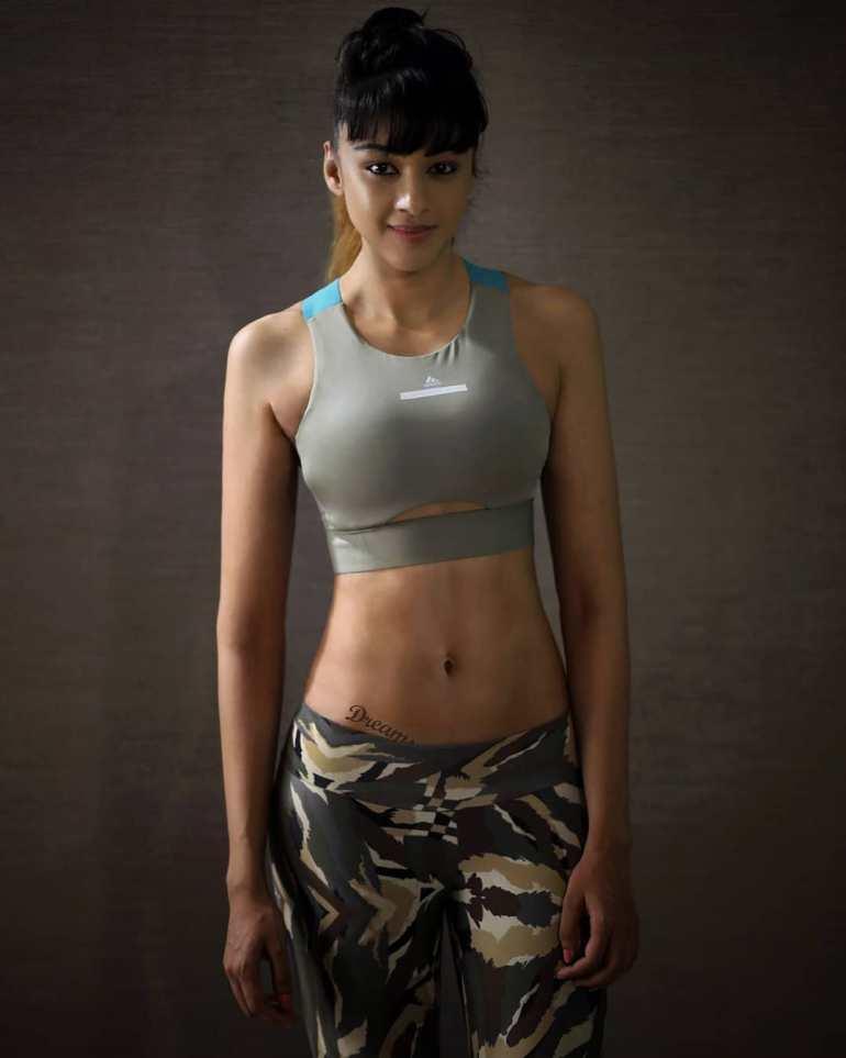 38+ Glamorous Photos of Sapna Vyas Patel 117