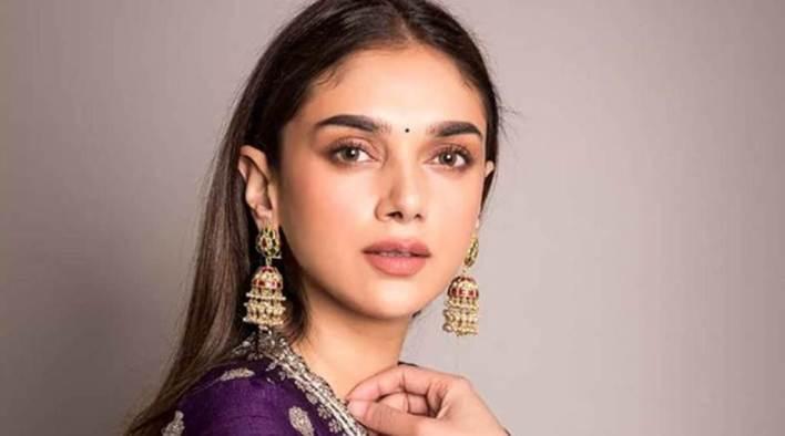 95+ Glamorous Photos of Aditi Rao Hydari 50