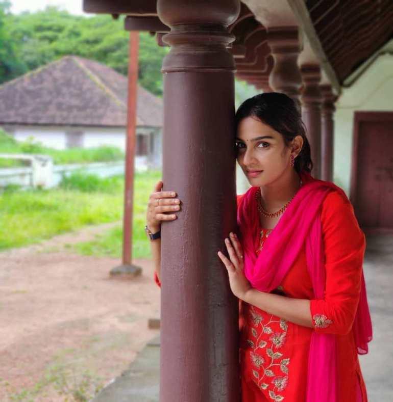 57+ Cute Photos of Aditi Ravi 17