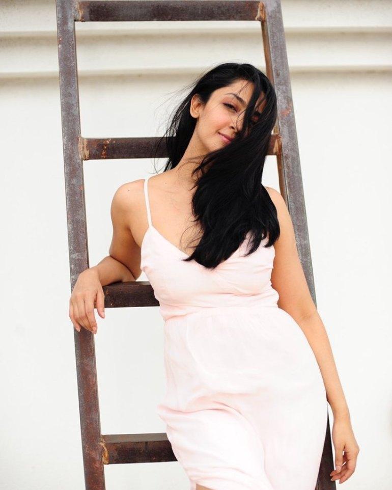 31+ Gorgeous Photos of Aindrita Ray 93
