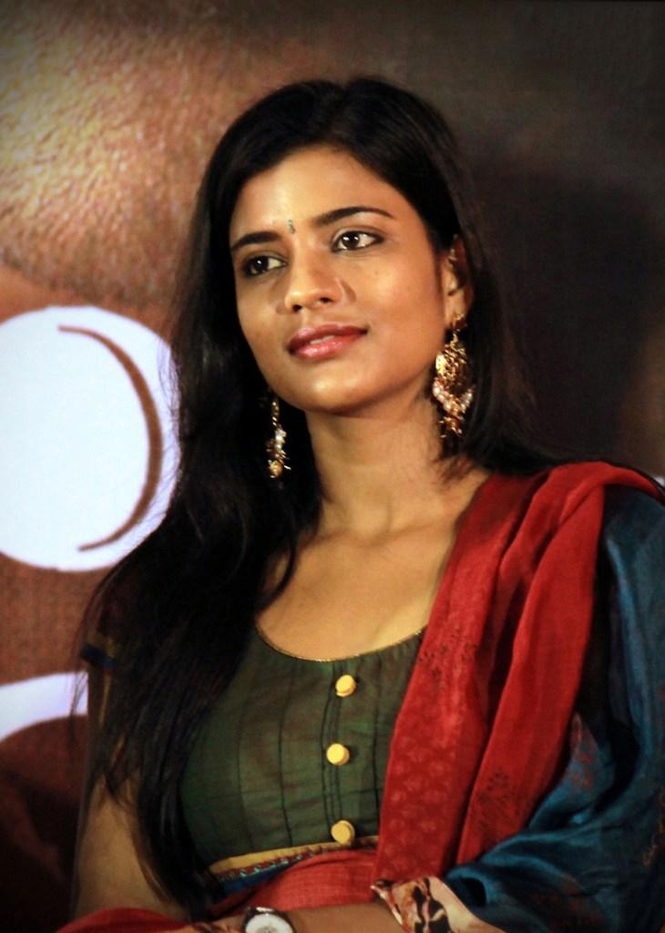 37+ Gorgeous Photos of Aishwarya Rajesh 16