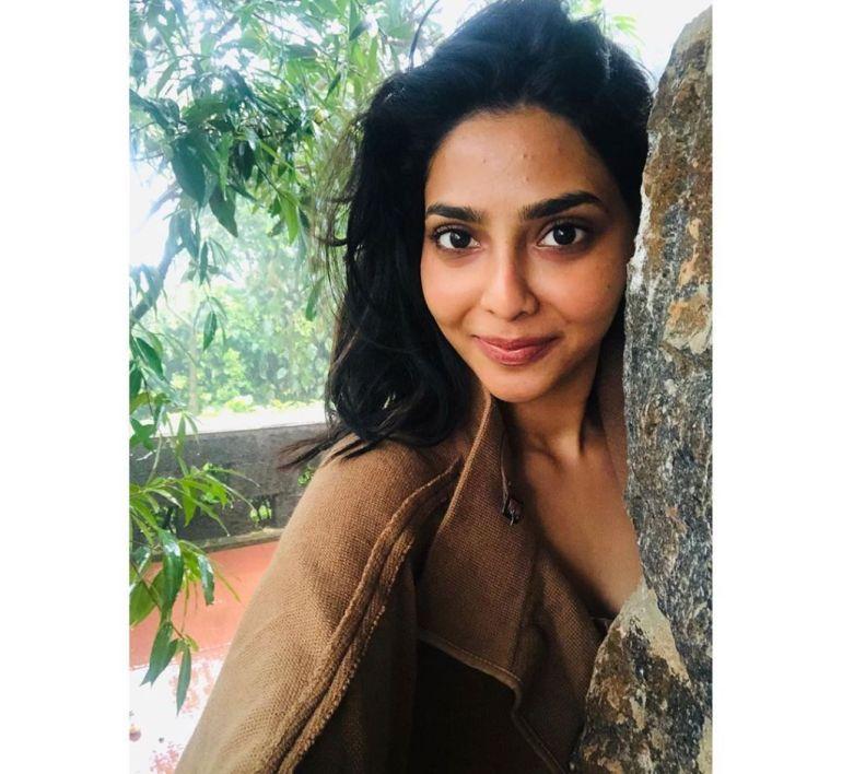 60+ glamorous Photos of Aishwarya Lekshmi 104