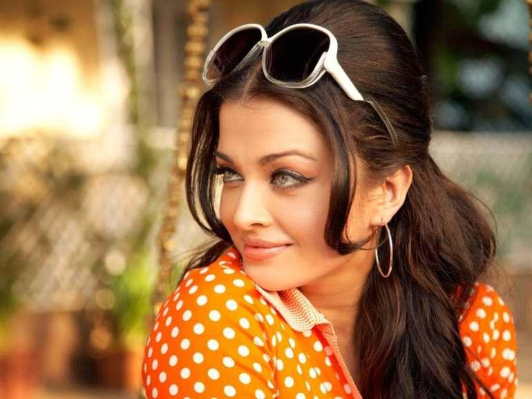 78+ Glamorous Photos Aishwarya Rai 159