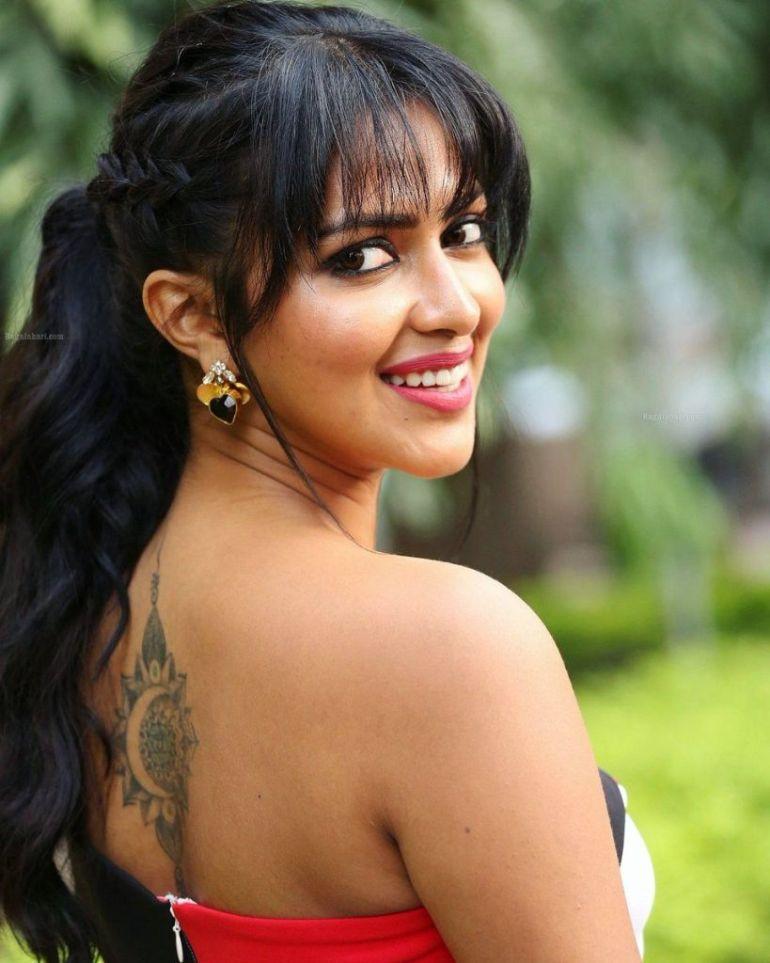 39+ Glamorous Photos of Amala Paul 7