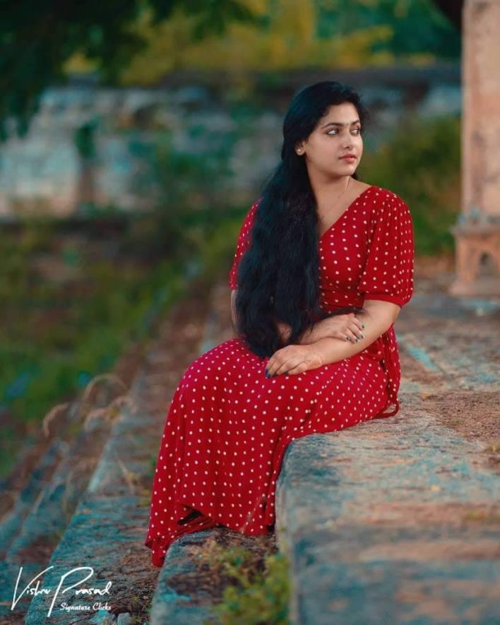 49+ Lovely Photos of Anu Sithara 21
