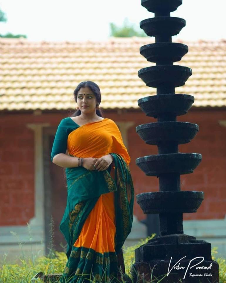 49+ Lovely Photos of Anu Sithara 132