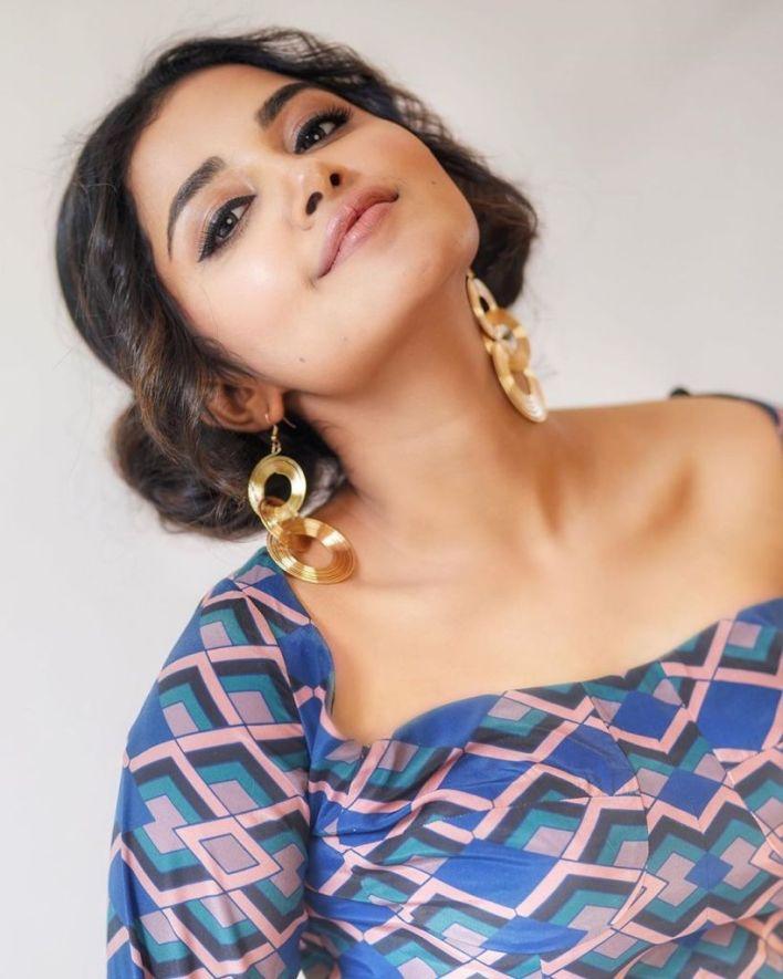 54+ Gorgeous Photos of Anupama Parameswaran 7