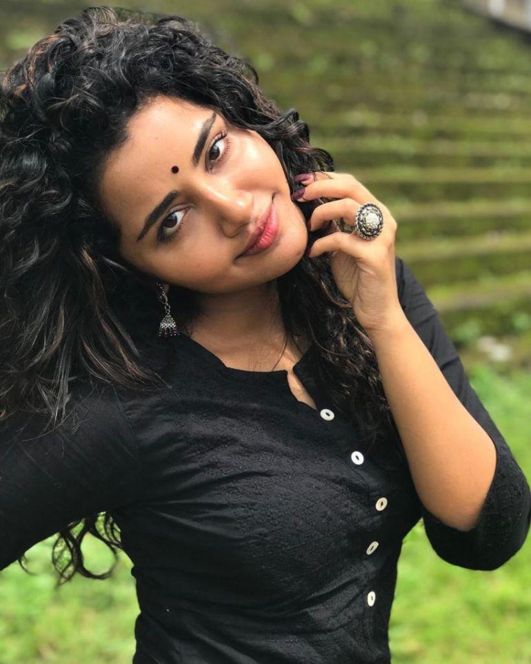 54+ Gorgeous Photos of Anupama Parameswaran 94