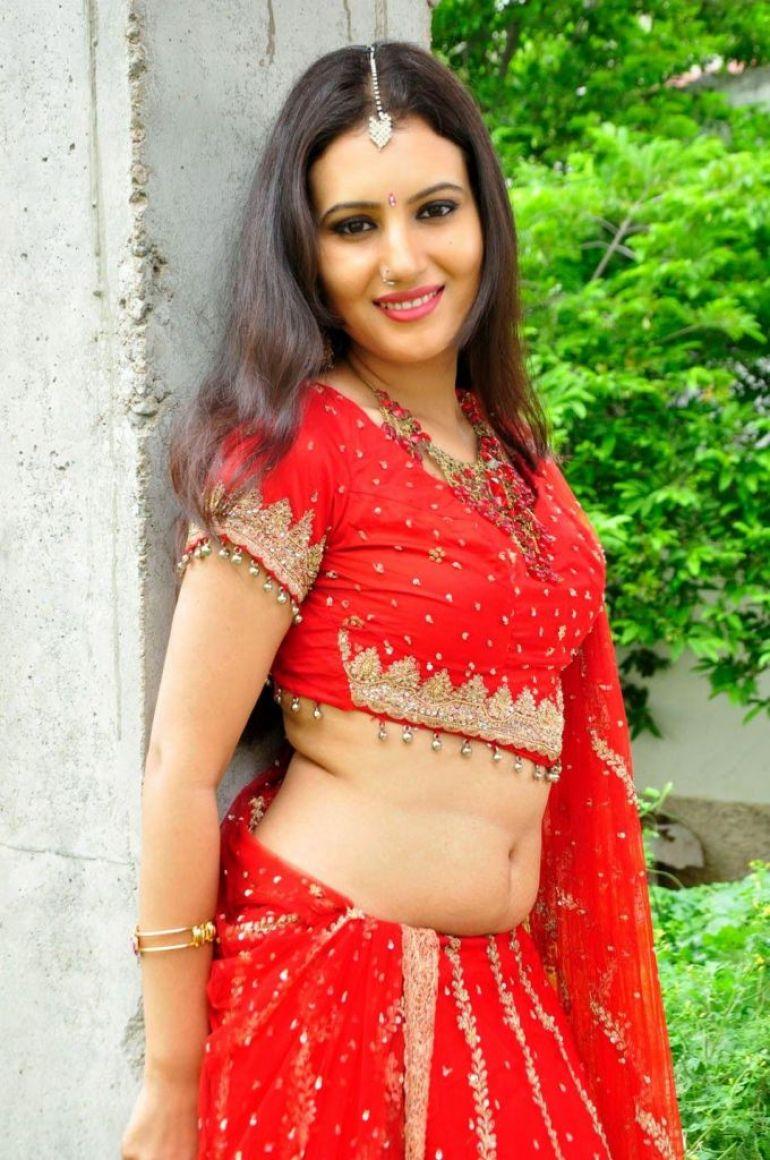 26+ Beautiful photos of Anusmriti Sarkar 6