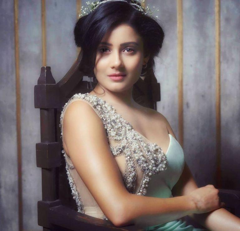 48+ Glamorous Photos of Archana Gupta 10