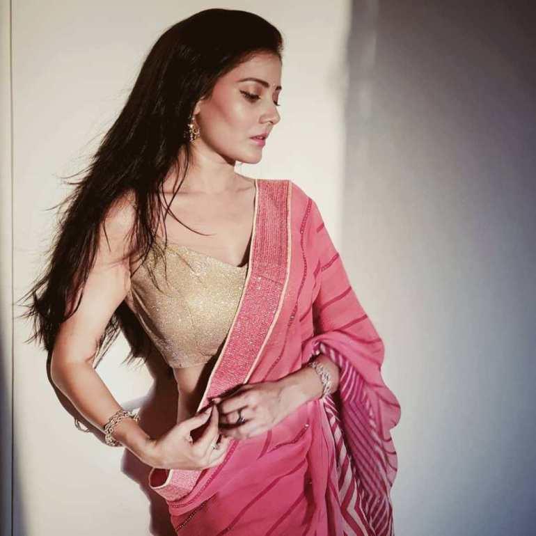 48+ Glamorous Photos of Archana Gupta 20