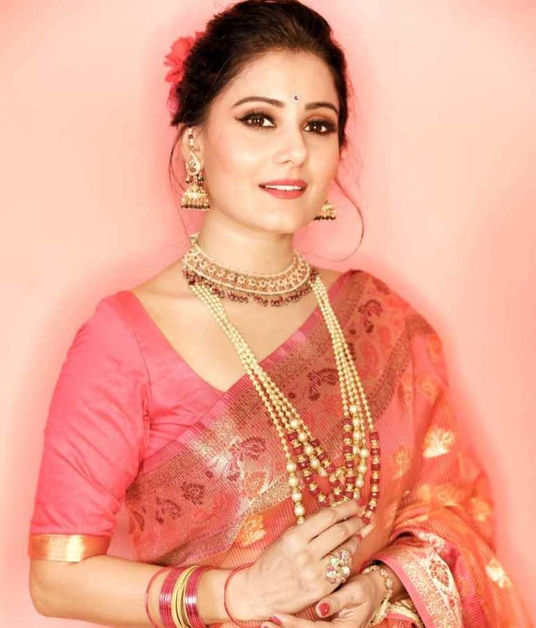 48+ Glamorous Photos of Archana Gupta 21