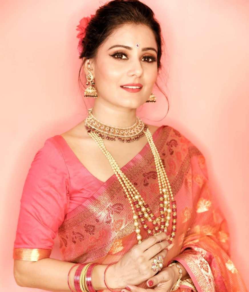 48+ Glamorous Photos of Archana Gupta 22