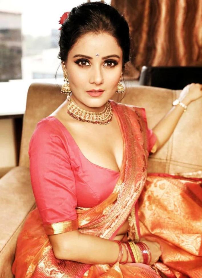 48+ Glamorous Photos of Archana Gupta 46