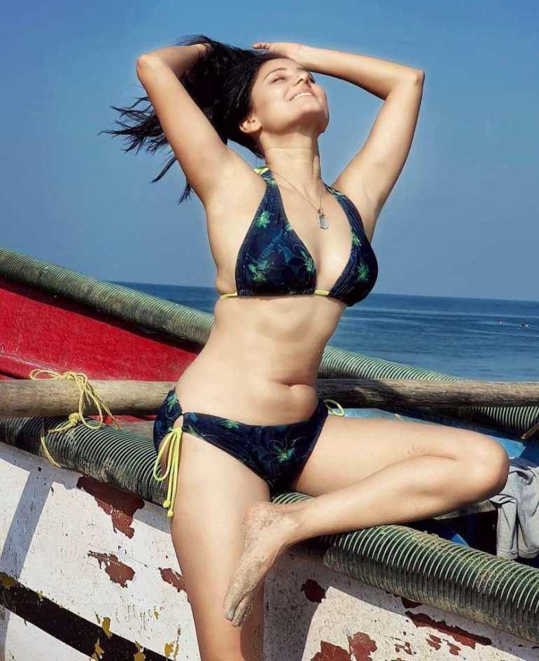 48+ Glamorous Photos of Archana Gupta 36