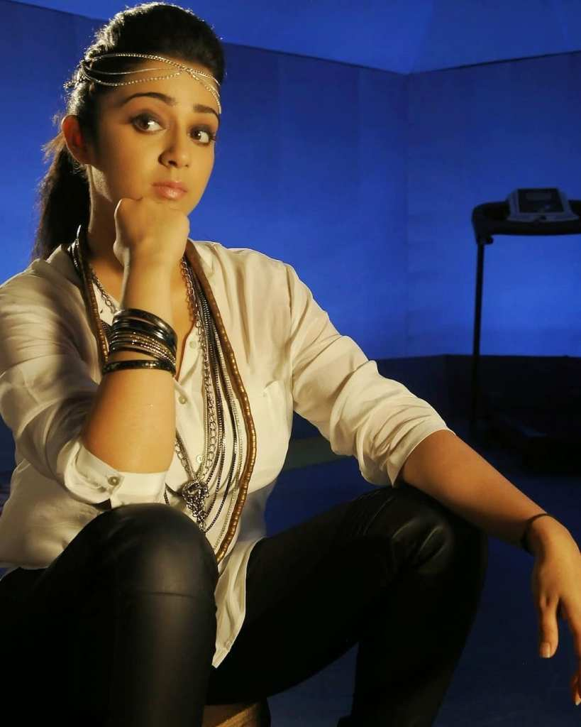27+ Beautiful Photos of Charmy Kaur 21