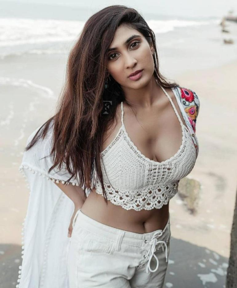 90+ Stunning Photos of Deepti Sati 85