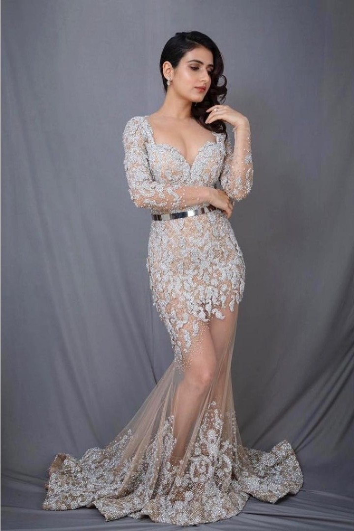 74+ Gorgeous Photos of Fathima Sana Shaikh 101