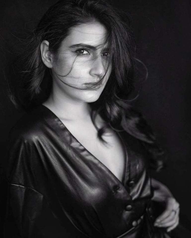 74+ Gorgeous Photos of Fathima Sana Shaikh 145