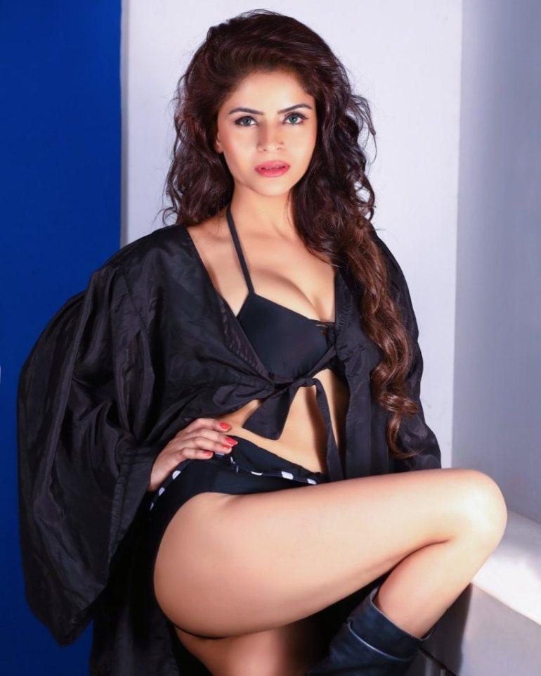 52+ Glamorous Photos of Gehana Vasisth 105