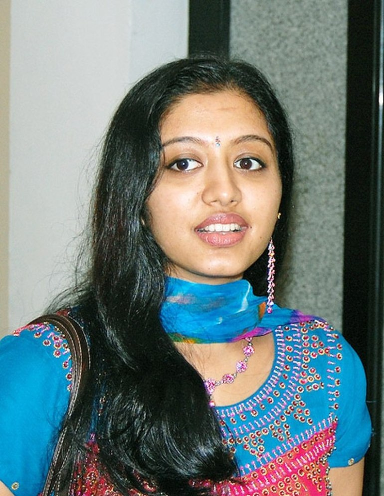 Gopika Wiki, Age, Biography, Movies, and Gorgeous Photos 90