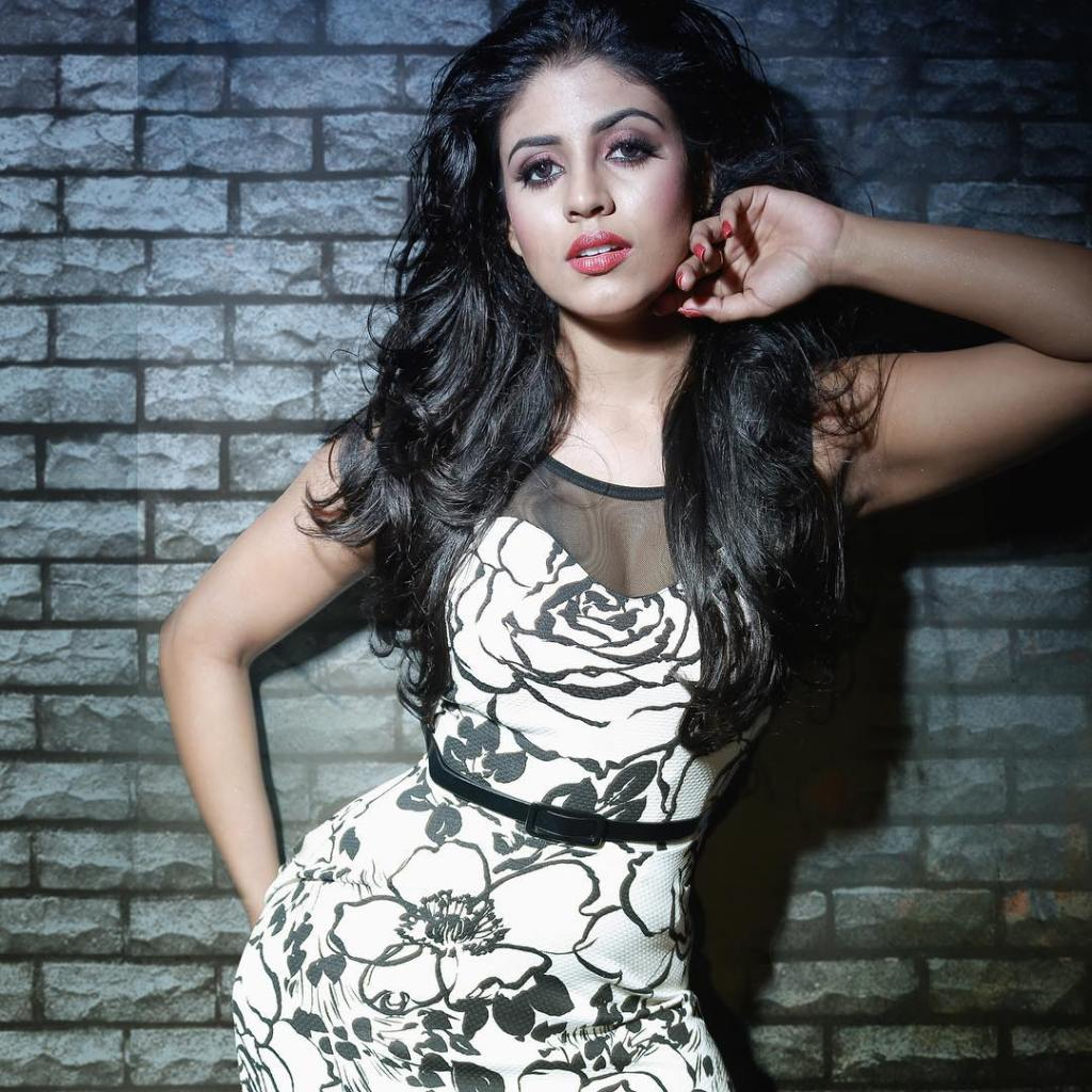 30+ Beautiful Photos of Iniya 3