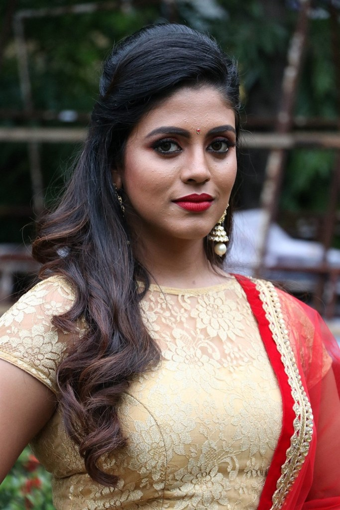 30+ Beautiful Photos of Iniya 30
