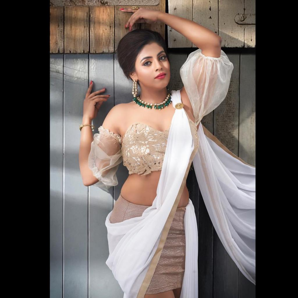 30+ Beautiful Photos of Iniya 6