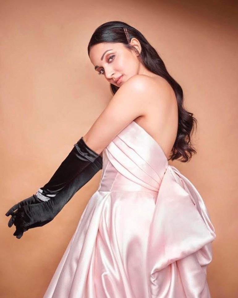 116+ Glamorous Photos of Kiara Advani 129