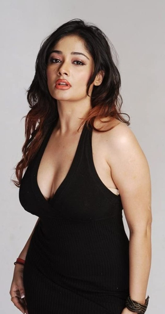 24+ Glamorous Photos of Kiran Rathod 26