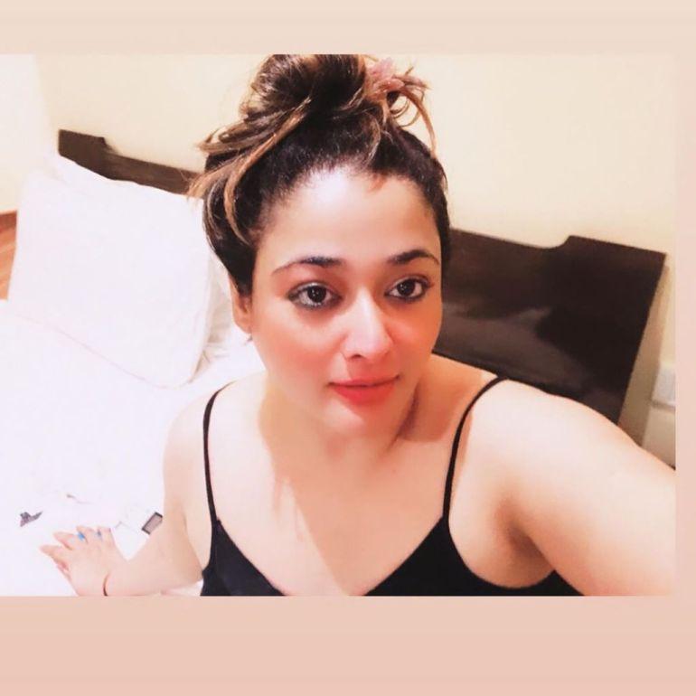 24+ Glamorous Photos of Kiran Rathod 54