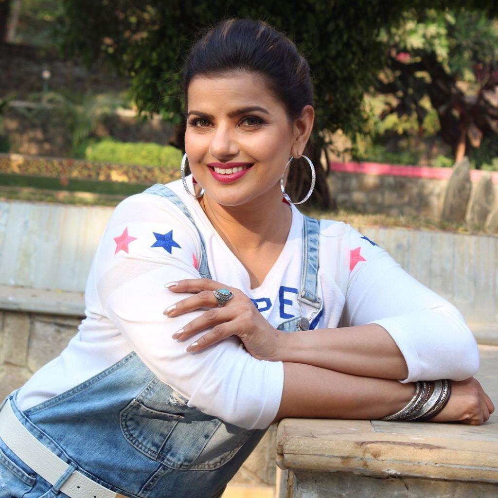 54+ Beautiful Photos of Madhu Sharma 47