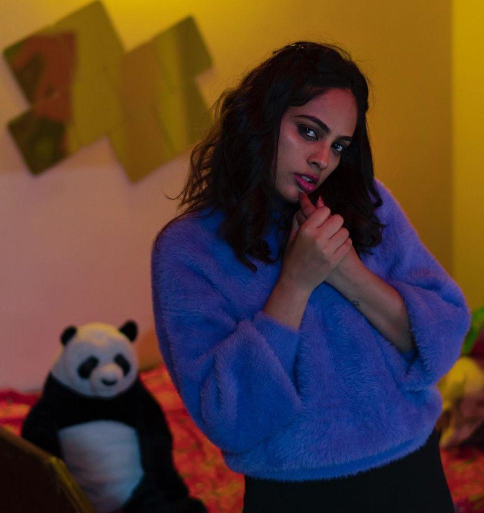 32+ Charming Photos of Nandita Swetha 17