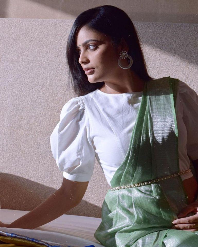 32+ Charming Photos of Nandita Swetha 64